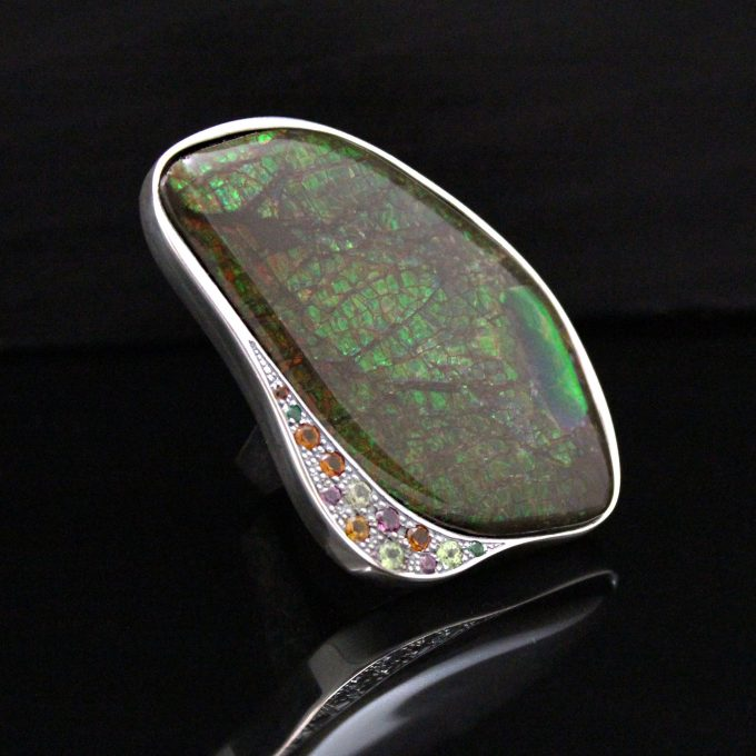 Caroline Savoie Joaillerie Bague Eden Ammolite Fait Main Bijoux Quebec Montreal Handmade Jewellery Ring (4)