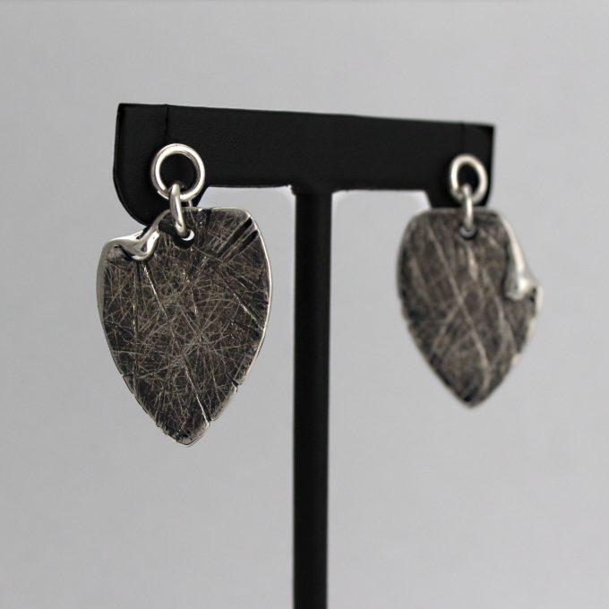 Caroline Savoie Joaillerie Boucles d'oreilles Petales Bijoux Fait Main Quebec Montreal Handmade Earrings Jewelry Designer (3)
