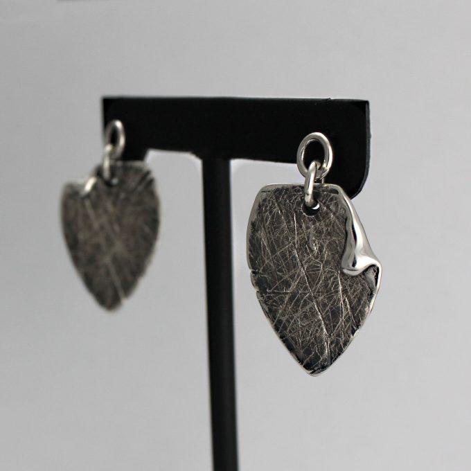 Caroline Savoie Joaillerie Boucles d'oreilles Petales Bijoux Fait Main Quebec Montreal Handmade Earrings Jewelry Designer (4)