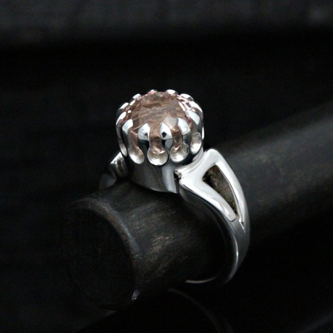 Caroline Savoie Joaillerie Bague Morganite Or Blanc Bijoux Fait Main Quebec Montreal Handmade Jewelry White Gold Ring (1)