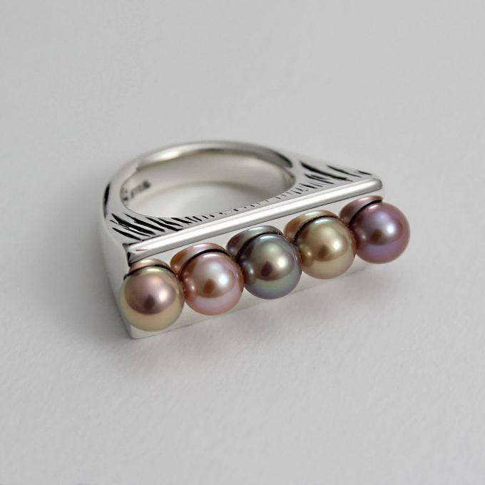 Caroline Savoie Joaillerie Bague Perle Haricot Magique Bijoux Quebec Fait Main Montreal Handmade Jewelry Pearl Ring (2)