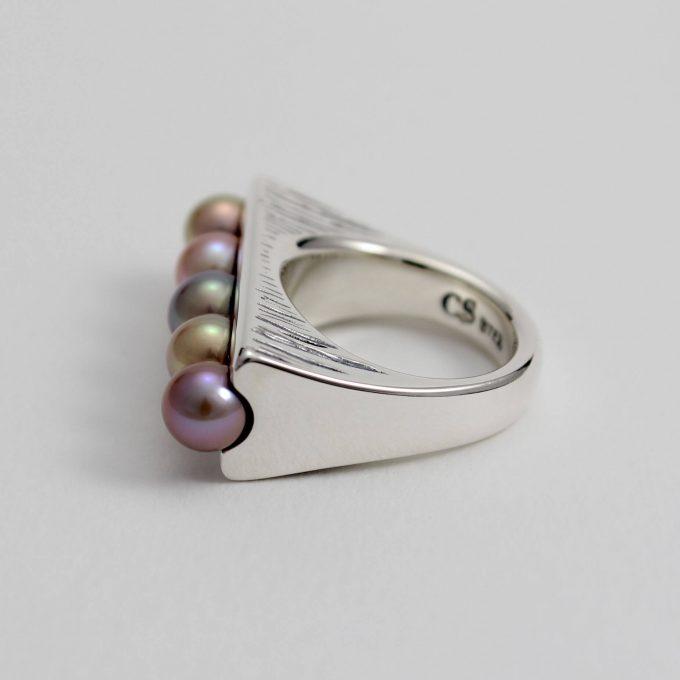 Caroline Savoie Joaillerie Bague Perle Haricot Magique Bijoux Quebec Fait Main Montreal Handmade Jewelry Pearl Ring (4)